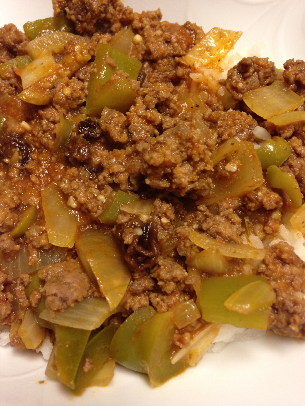 Picadillo Cubano (Cuban Ground Beef and Olives)